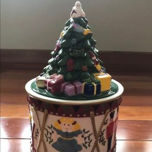 Spode Annual Christmas Candy Drum Box